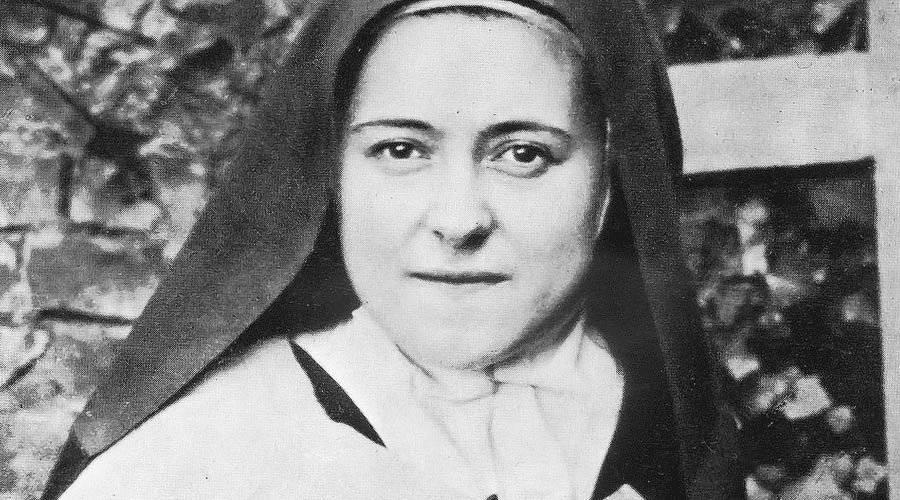 Resultado de imagem para freira santa catolica sorrindo