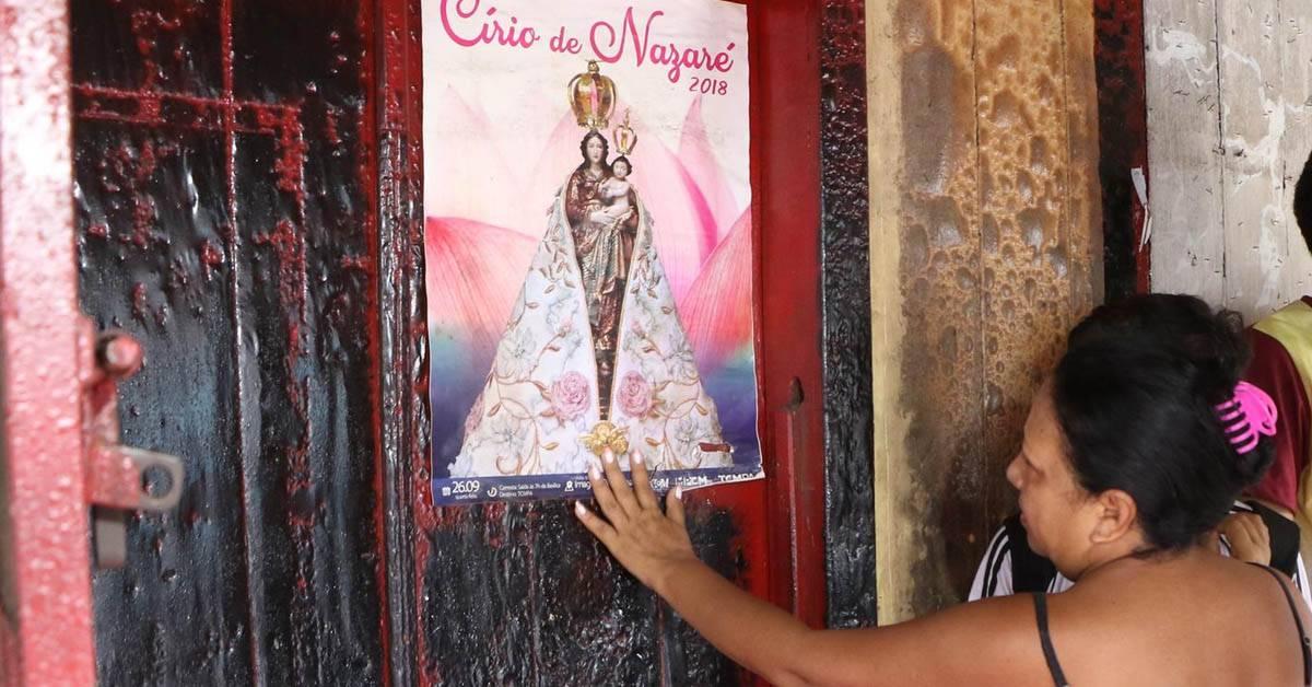 Local pega fogo mas um cartaz de Nossa Senhora de Nazaré fica intacto